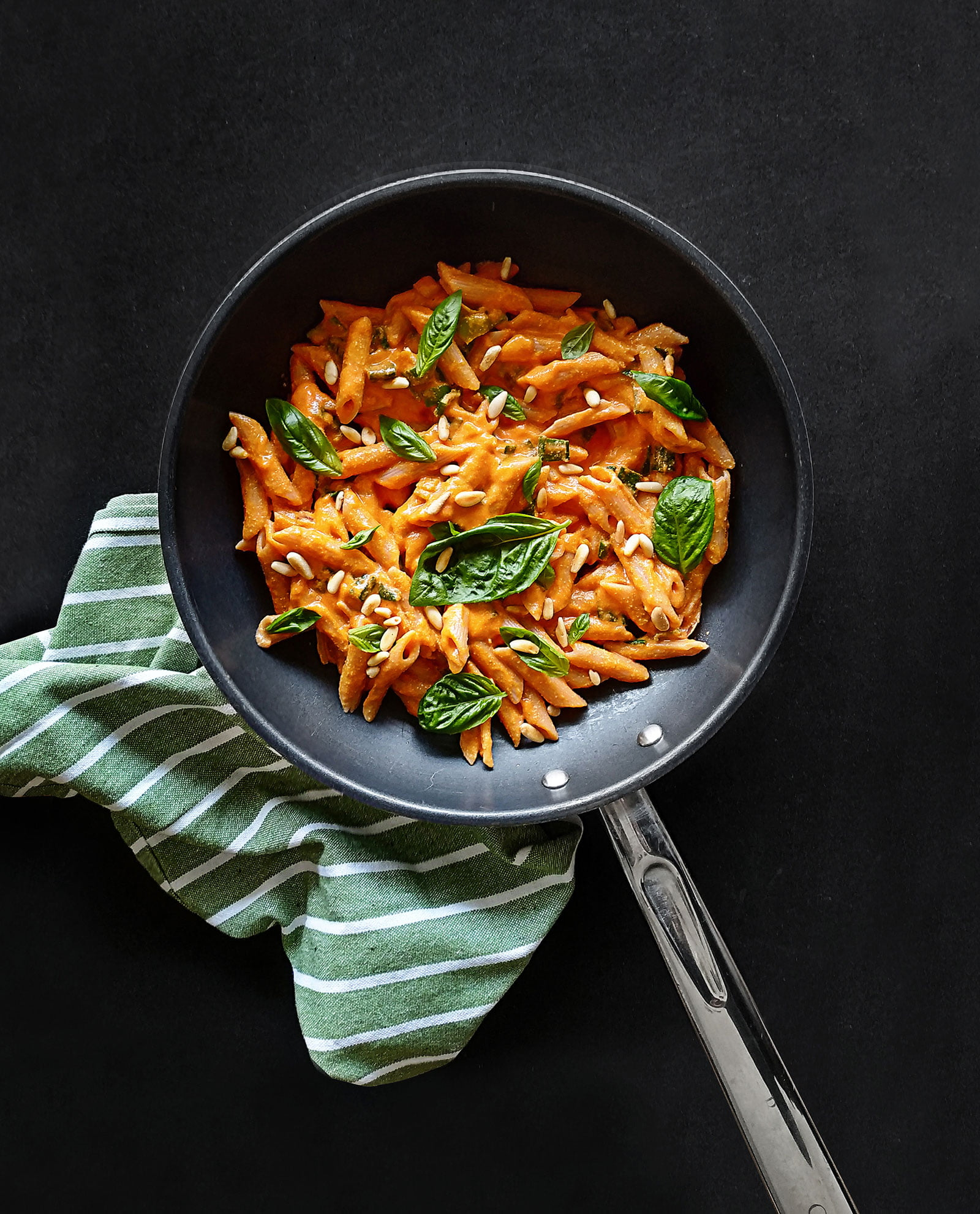 creamy-roasted-red-bell-pepper-pasta